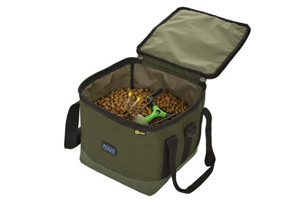 AQUA Malá univerzálna taška - Small Bucket Bag Black Series