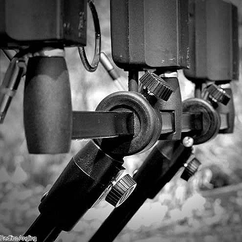 Hrazdy na 3 pruty pro stojany Grand Sniper - Grand Sniper Fixed 3 Rod Buzzer